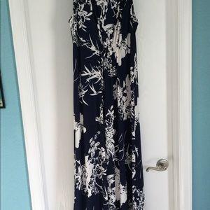Dresses & Skirts - Sleeveless floral dress